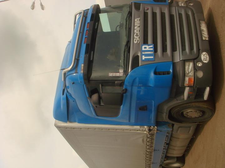 Scania 124L420 6Х2 (2006г) тент 60 куб. Отличное состояние.