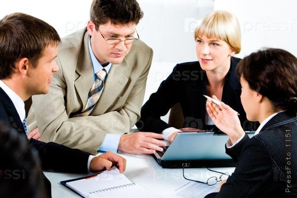 бизнес-тренер или лектор