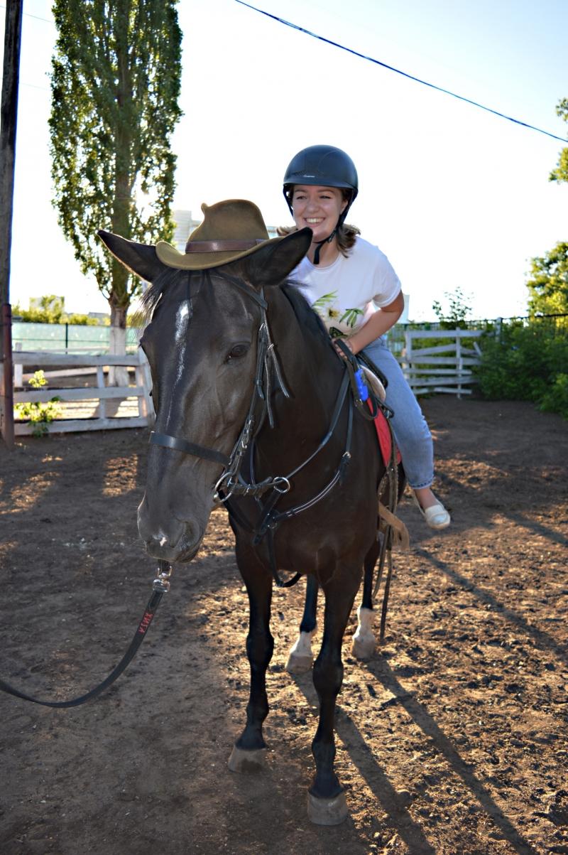 Езда на лошадях от студии Destreza
