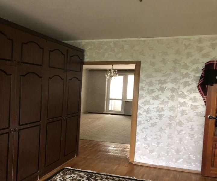 Продается 3-комнатная квартира в хорошем благоустроенном районе.